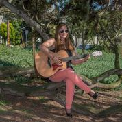 Danielle Heath - Singer/Songwriter
